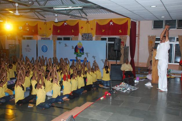 Yoga sessions – Ma Niketan, Thane (2008)