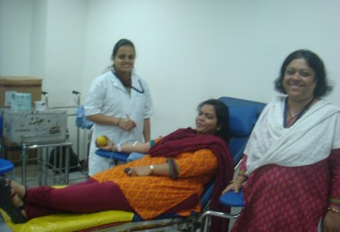 Blood Donation – Standard Chartered Bank, Thane (2013)