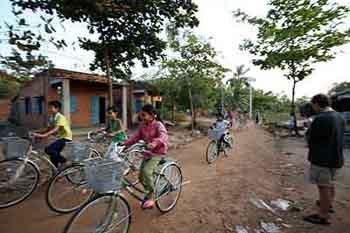 Bicycle Donation – Mahatma Jyotiba Phule Adivasi Seva Mandal, Kharbav village (2011)