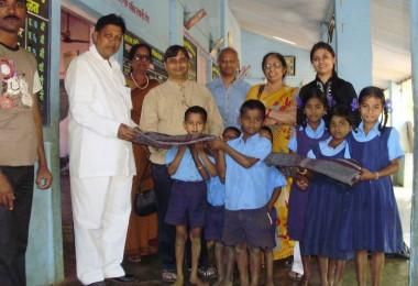 Blanket Donation – Mahatma Jyotiba Phule Adivasi Seva Mandal, Kharbav Village (2010)